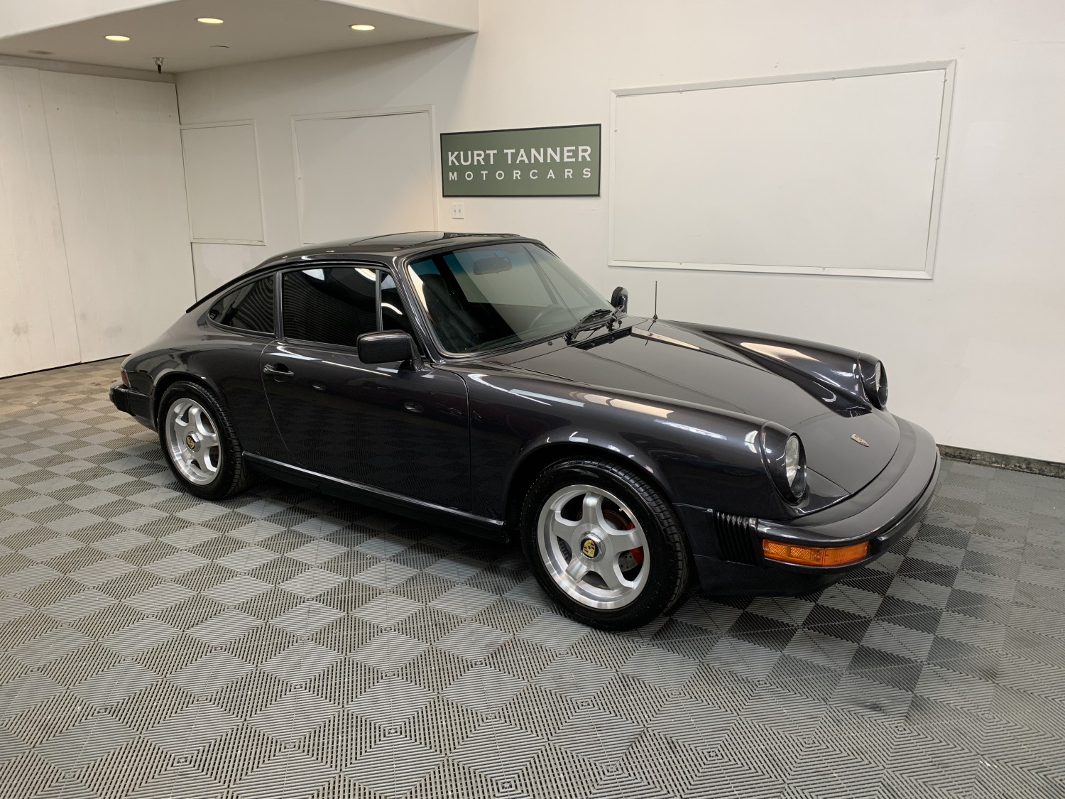 1976 PORSCHE 911-S SUNROOF COUPE. 2.7 LITERS. GRAY ALLOY METALLIC WITH BLACK INTERIOR. 5-SPEED, ALLOY WHEELS. COSMETICALLY AND MECHANICALLY RESTORED. RUSTFREE, ACCIDENT-FREE CAR.